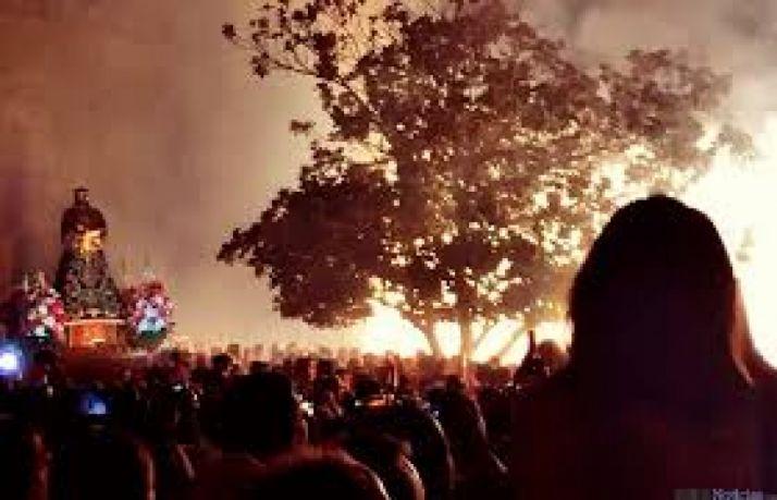 Foto 1 - Almazán vive esta noche su espectacular Bajada de Jesús