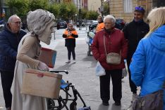 Foto 6 - Sorpresa e inquietud con el espectáculo de calle 'Entremundos'