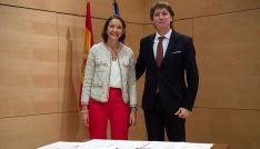 El alcalde, este jueves con la ministra tras la firma del acuerdo. /Ayto.