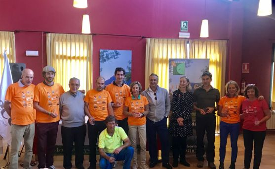 El color naranja, protagonista absoluto en el II Torneo de golf a favor de la AECC de Soria. Cedida
