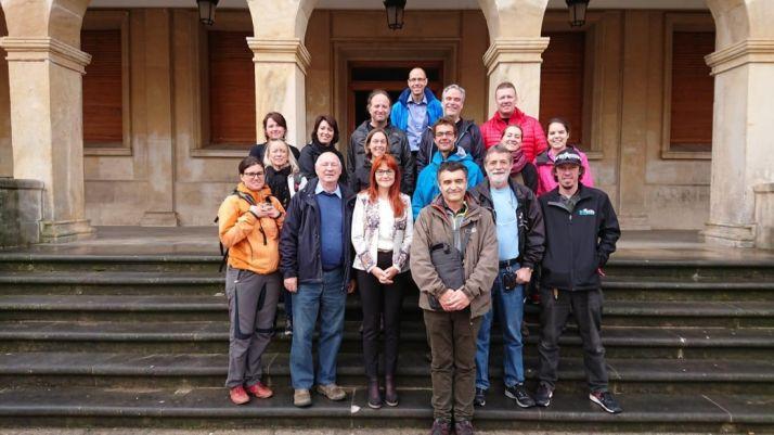 Foto 1 - Una delegación canadiense de visita en Soria atraídos por la micología
