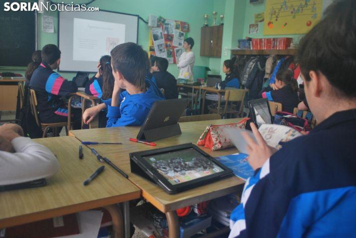 Niño en un aula de Escolapias de Soria. SN