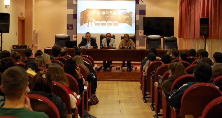 Foto 1 - Alumnos de la Complutense visitan la Diputación