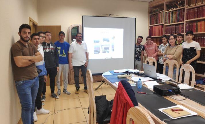 Foto 1 - 152.000 euros destinados a la juventud de la provincia
