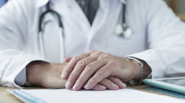 Foto 1 - Enfermeros y médicos anuncian movilizaciones y no descartan la vía penal