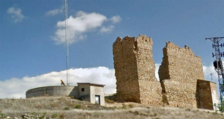 El depósito de abastecimiento de Muro, junto al castillo. /GM