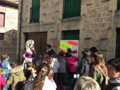 Foto 4 - Cien personas celebran el Día de los Derechos de la Infancia en Vinuesa
