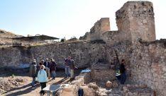 El delegado territorial , visitó en octubre, junto al equipo técnico, los resultados de las excavaciones. /Jta.