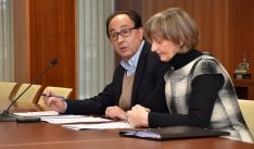 Manuel López Represa y Pilar Ruiz Cacho en la presentación del plan. /Jta