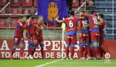 Los jugadores rojillos celebran el primer gol. LFP