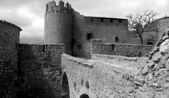 Una imagen del castillo de Almenar.