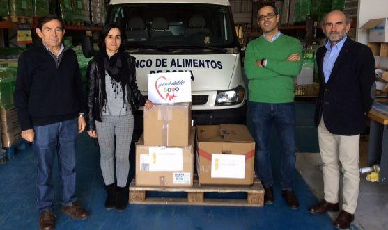 Una imagen de la entrega en el almacén del BALSO, en el polígono de Valcorba. /FOES