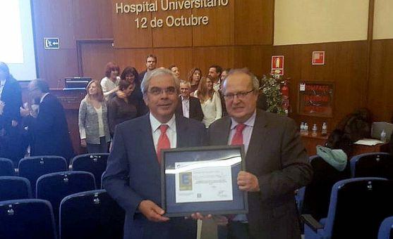 Ignacio Babé, secretario general de Club Excelencia en Gestión (izda.), y Enrique Delgado, gerente de Asistencia Sanitaria de Soria este miércoles en Madrid. /Jta.
