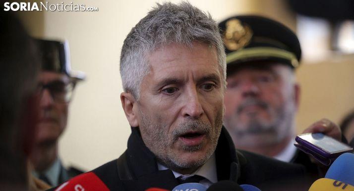 Fernando Grande-Marlaska en su comparecencia ante los medios este miércoles en Berlanga. /SN