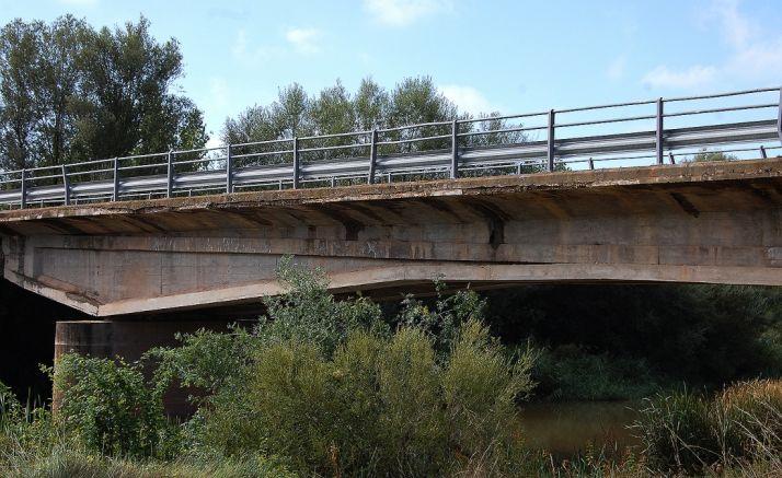 El puente objeto de las obras. /Dip.