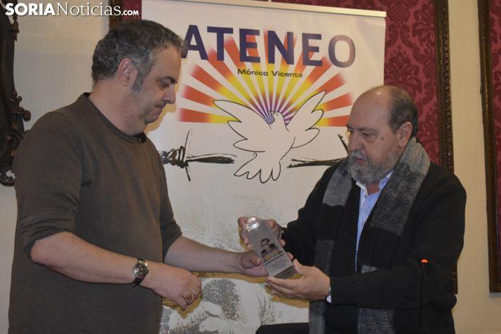 GALERÍA: Emilio Silva recibe el premio Mónico Vicente 2018