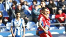 Oyarzun y Villalba celebran el empate a dos en Riazor. LaLiga