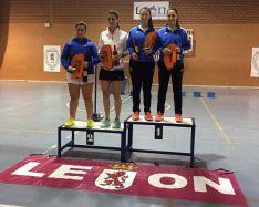 Los deportistas sorianos con sus medallas. /CBS-CS24 AD89