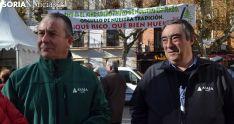 Donaciano Dujo (izda.) y Carmelo Gómez este pasado viernes en la degustación de derivados del cerdo. /SN