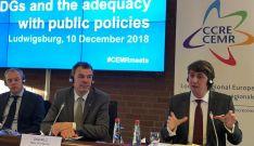 El alcalde de Soria, a la derecha, en una de sus intervenciones en Alemania. /Ayto.