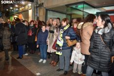 Una imagen de la más que multitudinaria manifestación de esta tarde de viernes. /SN