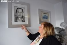 Amelia muestra una fotografía de su padre, Javier Andrés Moreno. SN