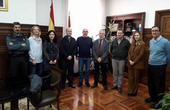 Foto 1 - La Subdelegación entrega a Cáritas los alimentos donados por los trabajadores de la Administración General del Estado de Soria