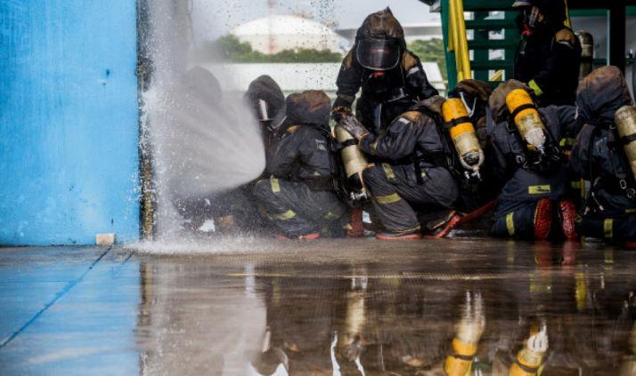 CSIF reclama unos servicios de bomberos públicos y con funcionarios públicos