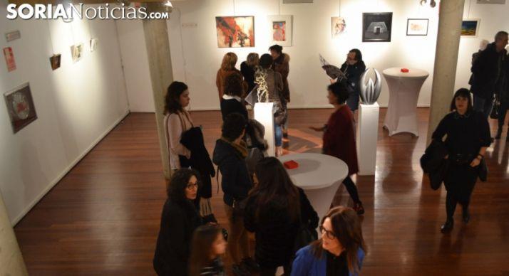 Foto 1 - La exposición y subasta solidaria de Monreal se amplía hasta el 8 de enero