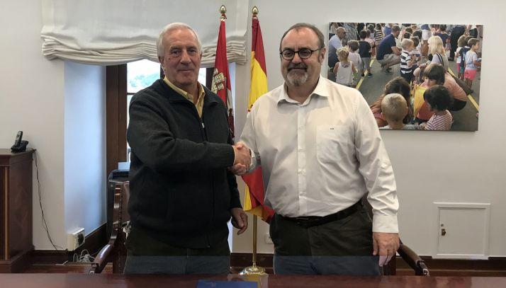 Jesús Corrales (izda. y Fernando Rey. /Jta.