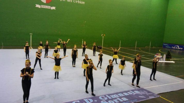 Foto 2 - Exhibición de gimnasia para animar la tarde en Covaleda