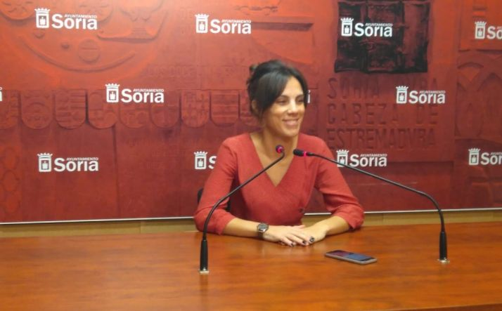 Inés Andrés durante la rueda de prensa,
