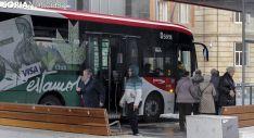 Autobús urbano en la parada de Granados, en la capital soriana. /Freddy Páez