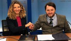 Alicia García y Francisco Sardón en la firma del acuerdo. /Jta.