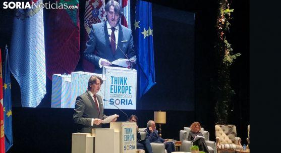 El alcalde, durante su intervención en el congreso internacional que tiene lugar estos días en Soria. /SN