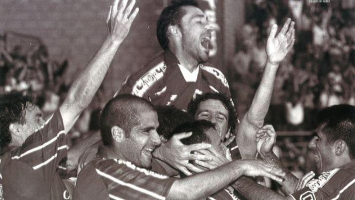 La plantilla del Numancia en la temporada 1998-99 será la invitada estelar durante el próximo Numancia-Córdoba. CD Numancia