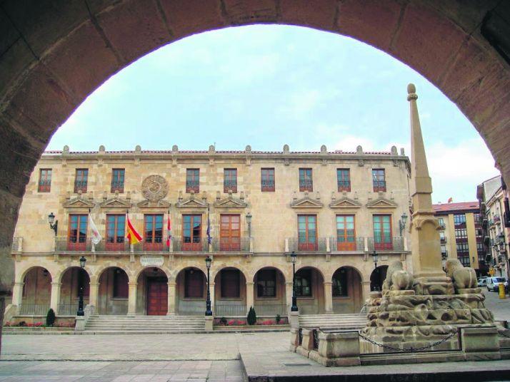 Foto 1 - El Ayuntamiento de Soria prepara una oferta de empleo público para febrero