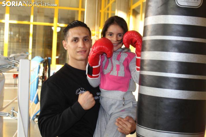 Maisam y Reda Brahmi, en la salda del CAEP habilitada para el boxeo.