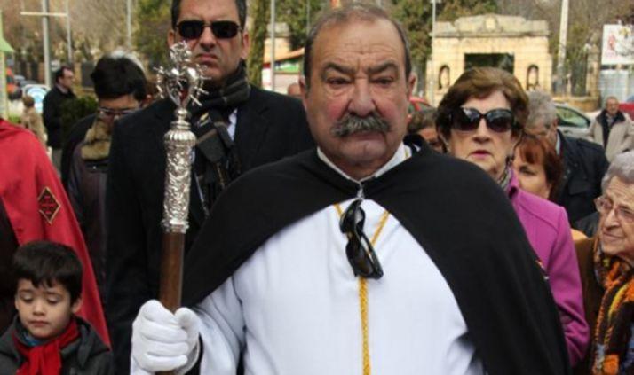 El cofrade, en una procesión de Semana Santa.