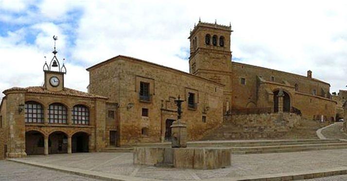 Imagen de la bella plaza de Morón.
