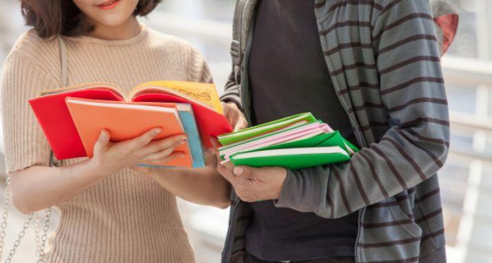Foto 1 - La Junta reduce un 20,2 % los precios públicos de las matrículas universitarias
