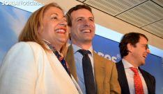 Yolanda de Gregorio, junto a Casado y Mañueco ayer. /SN