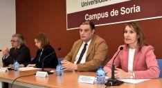 Rocío Lucas (dcha.), junto al vicerrector del Campus, José Luis Ruiz. /Jta.