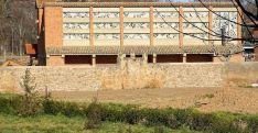Tramo de lienzo de la muralla sur del Monasterio reconstruido. /Jta.