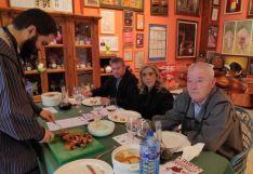 Foto 3 - El Teleclub de Fuentearmegil,  finalista de 'El mejor torrezno del mundo'