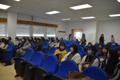 Foto 3 - Las universitarias japonesas de Nutrición se interesan por el Campus