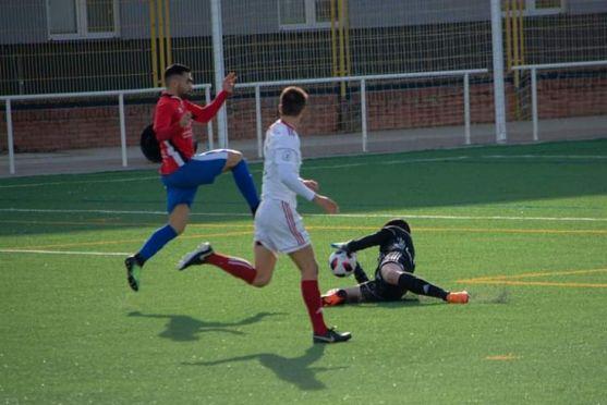 Alfonso culmina una acción ofensiva en Burgos. Henar García