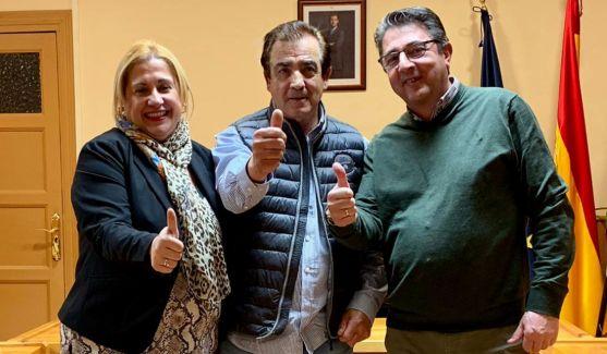 Martín, en el centro, junto a Yolanda de Gregorio y Jesús Peregrina.
