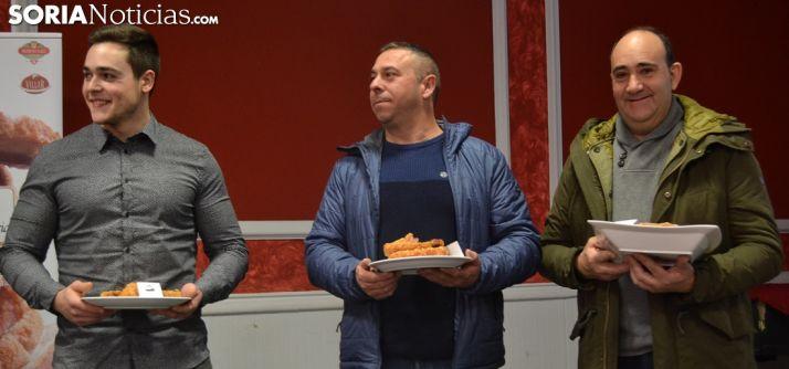 Vicente (izda.), Munera y Jiménez este domingo en el Casino. /SN