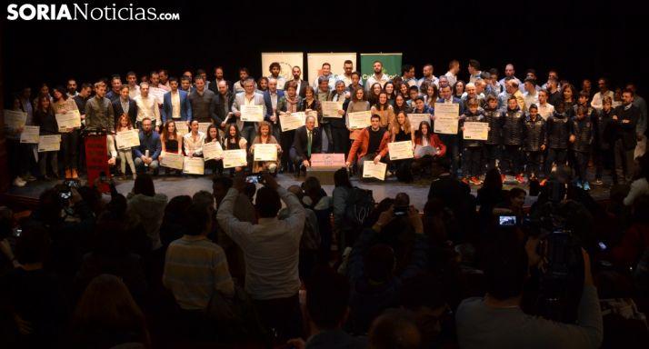 Foto de familia de la gala. /SN
